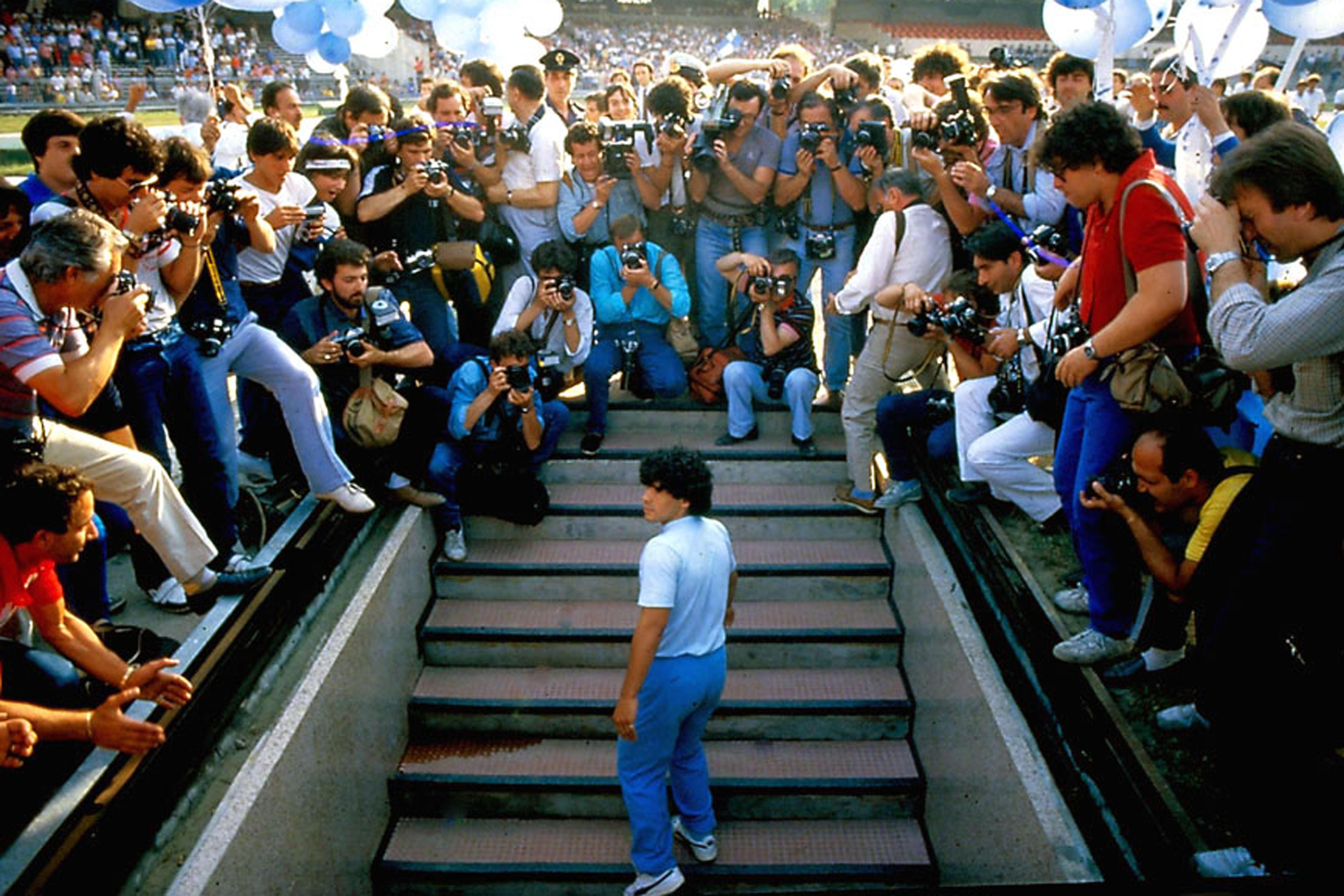 Diego Maradona, Asif Kapakia